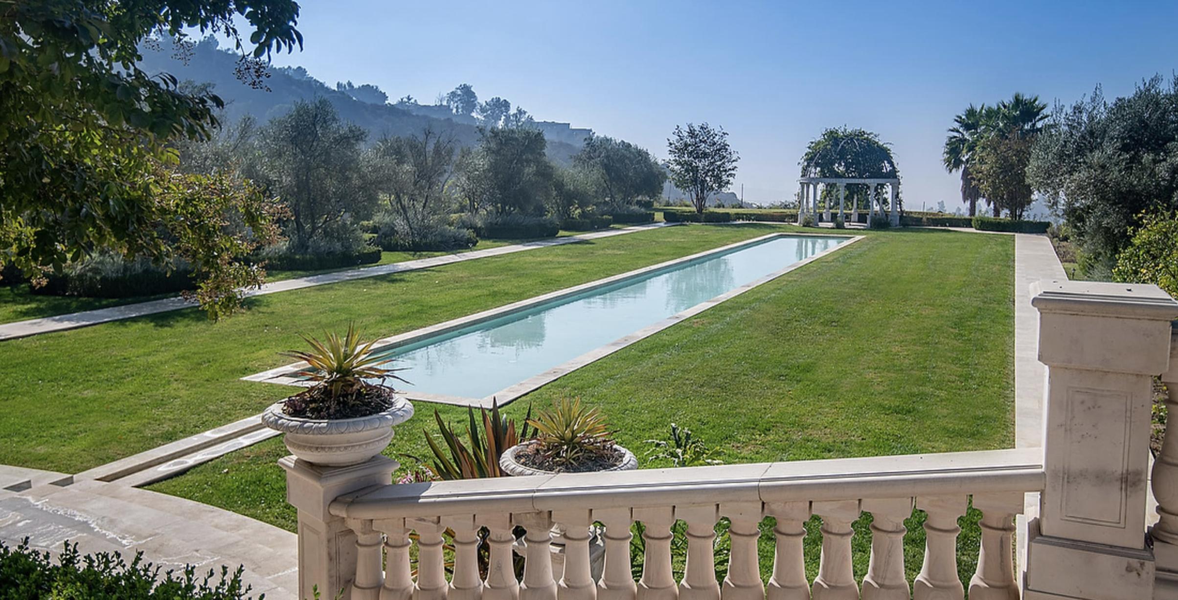 #mls #Realestate #propertyforsale #houseforsale #home #homesforsale #housesforrent #luxury #California #Beverlyhills #Ahavajerusalem #realtor, pool
