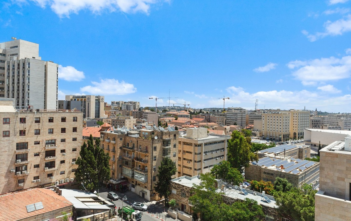 #Ahava Jerusalem, realtor, msl, property portal, real estate, home, house, sale, dream house, luxury, Israel, Jerusalem, penthouse for sale, close to synagogues and shopping, 6 bedrooms, 4 garages, 340sqm